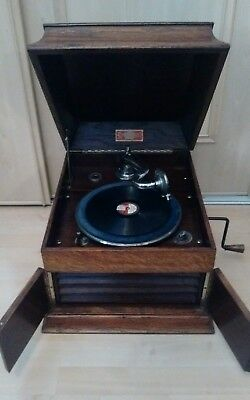 """Vintage """"New Royal"""" Gramophone Tabletop Wind Up Hand Crank Wooden Case Working"""