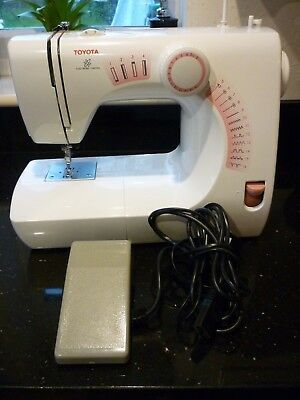 Toyota Sewing Machine Model SE13 RS200