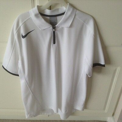 mens nike tennis top (white). Large size 42/44in