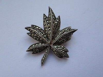 small vintage unstamped sterling silver marcasite leaf brooch - 6.9 grams