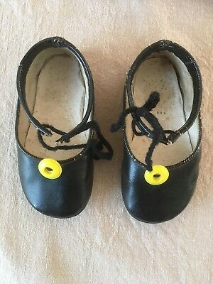 Vintage BABY / DOLLS / DECORATIVE SHOES Black Leather - Cobbled Soles - S. 3 UK