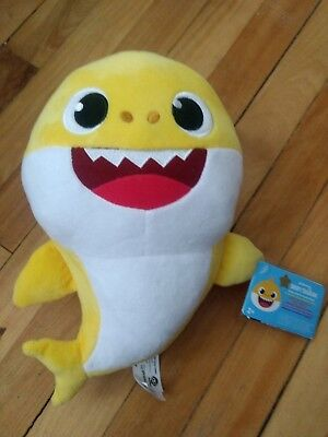Pinkfong Baby Shark Official Singing Plush Toy English Version