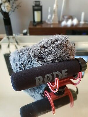 RODE VideoMic Go Camera Microphone/DSLR/GO PRO with RODE DEADCAT