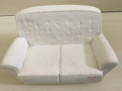 VINTAGE SINDY DOLL SOFA / SETTEE / CHAIR - WHITE - IN GOOD CONDITION - 60s/70s