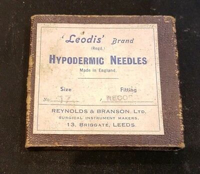 Vintage Medical Surgical Equipment. Leodis Hypodermic Needles, Boxed.