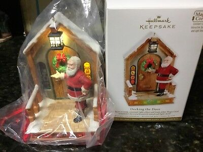 2011 Hallmark Decking The Door Santa Claus Magic