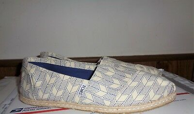 NEW TOMS  Slip On Canvas Flats Shoes Womens Size 11