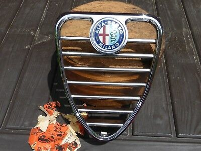 NOS New Old Stock Alfa Romeo 1750 Berlina GTV Front Grille + Badge Sprint GT