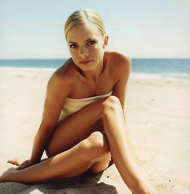 Jaime Pressly Posing On The Beach 8x10 Picture Celebrity Print
