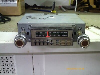 Kraco AM FM 8-track car stereo with graphic equalizer