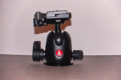 Manfrotto 496RC2 compact ball head with quick release plate.