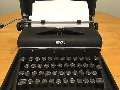Vintage Royal Quiet Deluxe Typewriter In Case Working