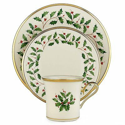 Lenox Holiday 4 - Piece Place Setting Ivory Bone China 24ct Gold Accents