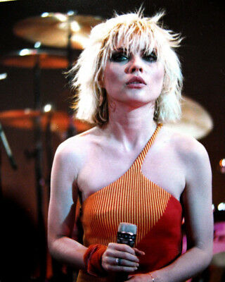 Debbie Harry UNSIGNED photograph - M8442 - Lead singer of punk rock band Blondie