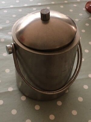 ice bucket with lid and tongs