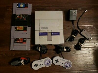 Super Nintendo SNES Console Bundle w/ 4 Games Cables & 2 Controllers  Lot TESTED