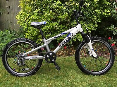 Trek Mt60 20 Inch Wheel Kids Junior Mountain Bike 40 00 Picclick Uk