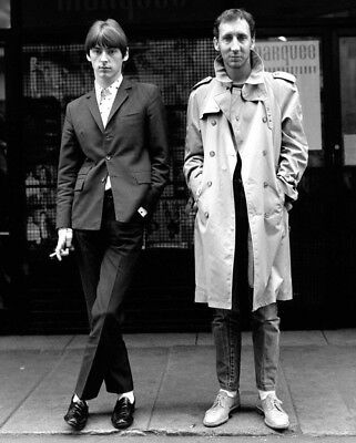 Paul Weller and Pete Townshend UNSIGNED photo - M8811 - NEW IMAGE!!