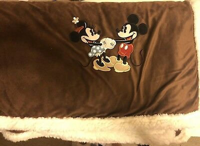 "Disney Sherpa Blanket - Mickey and Minnie Brown 50""x55"" New"