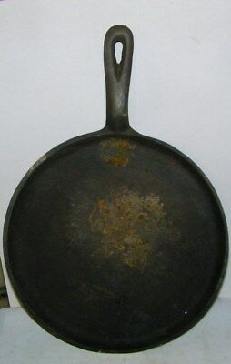 """antique cast iron fry pan griddle  marked 8D 9""""wide 1/2"""" tall edge edge smoke rg"""
