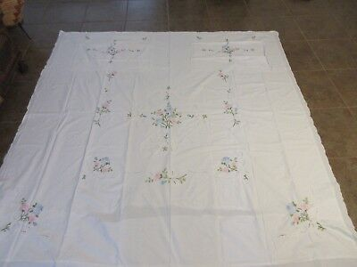 Imperial Elegance Cotton Embroidered Floral Coverlet 88 X 89 Two Shams Doubled