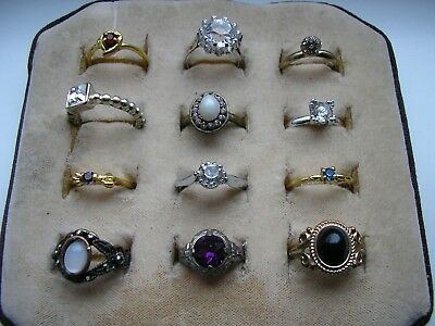 Mixed job lot of costume jewellery rings