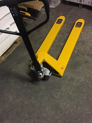 BRAND NEW 2500kg Warehouse Hand Pallet Truck / Fully Assembled / Euro SIZE