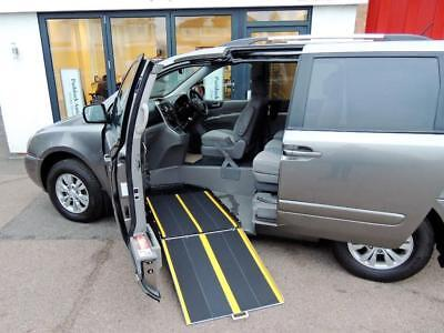 Kia Sedona 2 2.2CRDi Disabled Wheelchair Up Front Adapted Vehicle WAV