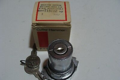NEW CUTLER HAMMER Eaton 10250T15112 2 Position KEY SWITCH MAINTAINED KEY OPER