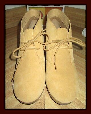 3613a16b2c6d Super Cute Clarks Originals Brownish Yellow Wedge Ankle Boot shoes Size 10 M