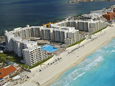 Oceanfront 2 Bedroom Royal Sands, Cancun December 14-21 (7 nights)