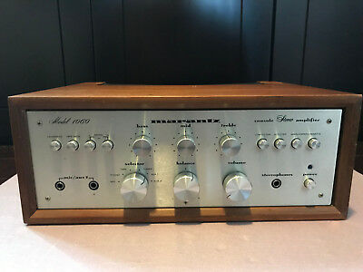 Vintage Marantz 1060 integrated amplifier with cabinet in great condition