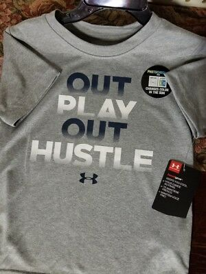 Boys Kids Youth Under Armour T-Shirt NEW Grey short sleeve 3T Color Changing