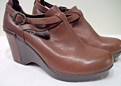 3e335932c1 Dansko Franka Brandy Antique Leather Wedges w  Strap Details - EU 39 (8.5)