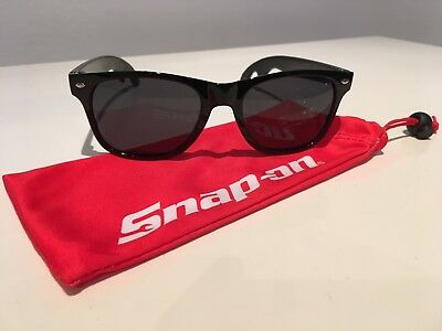 Snap-On Tools Black Sunglasses in Cloth Case with Bottle Opener Arms Brand New