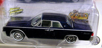 JOHNNY LIGHTNING 61 1961 LINCOLN CONTINENTAL CLASSIC GOLD COLLECTIBLE CAR W/RRs