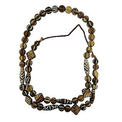 (2389) String of contemporary Pumtek Beads