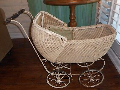 Vintage Wicker Baby Doll Carriage / Buggy