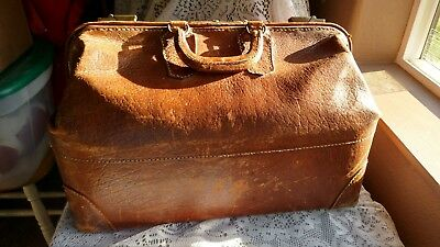 SALE! ANTIQUE GLADSTONE COWHIDE LEATHER  MEDICAL STYLE/ LUGGAGE BAG Early 1900's