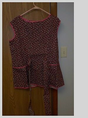 Smock Apron 1 Button Back Tie  With 2 Pockets  Red Floral