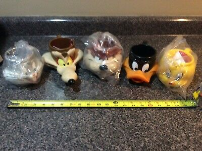 Looney Tunes Cup Lot of 5 Bugs Bunny Taz and More
