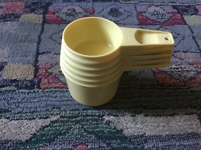 5 x vintage Tupperware nesting measuring cups