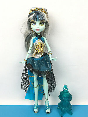 Monster High Doll Frankie Stein 13 Wishes / Poupée