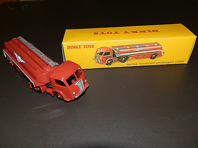 Dinky Toys Tracteur Panhard avec citerne ESSO