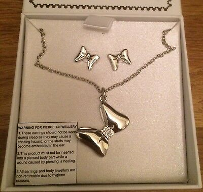 Official Disney Minnie Mouse Bow Necklace And Earrings   ***Price Reduced***