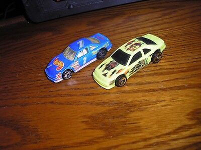 Nice Lot of 2 Vintage Hot Wheels 1/64 1990's Ford Thunderbirds SC Free Shipping
