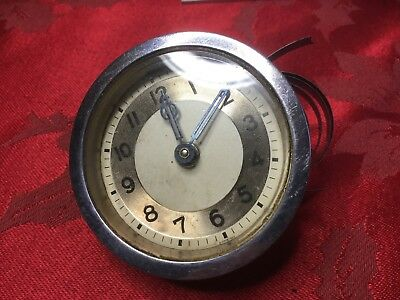 Small 30hr  Clock Movement For Spares Or Repair Good Glass Hands Dial Etc