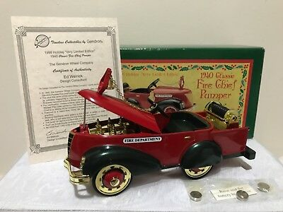 Genron 1999 Holiday Limited Edition 1940 Classic Fire Chief Pumper Die Cast Bank