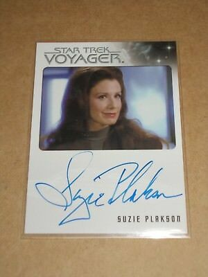Star Trek Quotable Voyager Suzie Plakson as Female Q autograph MINT