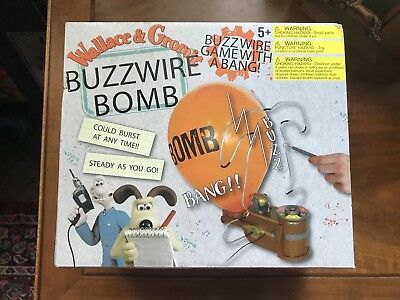 Vintage Wallace and Gromit Buzzword Bomb Game RARE New In Box
